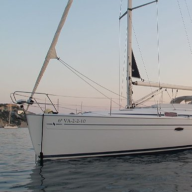 Rent Boat BAVARIA 37