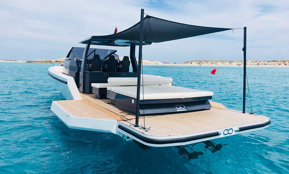 Alquilar Barco INFINITY T4